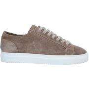 Sneakers doucal's homme. gris tourterelle. 39.5...