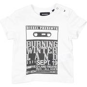 T-shirt diesel garçon. blanc ivoire. 12...