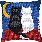 Kit coussin au point de croix chats dans la nuit